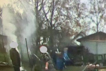 Przy ul. Ireny Przybysz ktoś spala odpady w ogrodzie, wysłany na miejsce patrol SM potwierdził zgłoszenie, osoba została ukarana.
