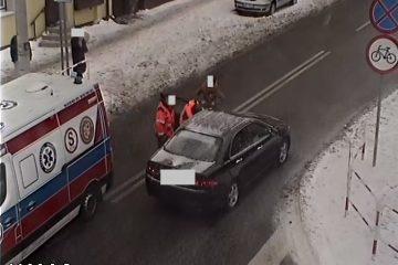 Akcja ratownia życie kierującego pojazdem osobowym.